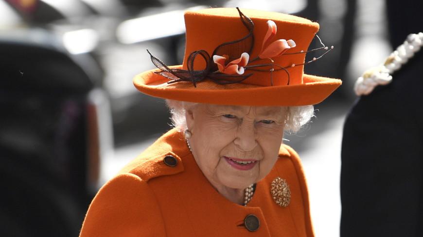 Елизавета II пришла на свадьбу двоюродной племянницы