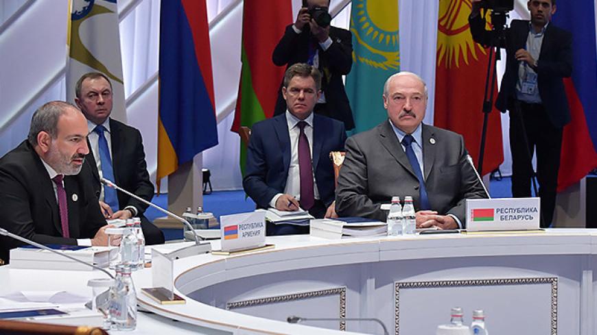 Лукашенко: Страны ЕАЭС должны отказаться от ограничительных мер в экономике