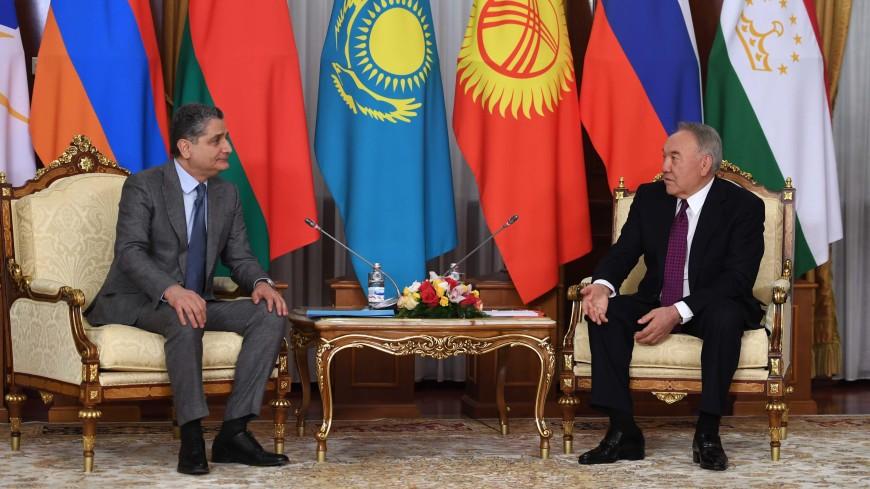 Назарбаев: Важно расширять географию экономических партнеров ЕАЭС