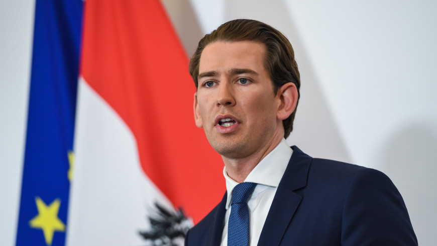 Впервые за 74 года: канцлеру Австрии вынесли вотум недоверия