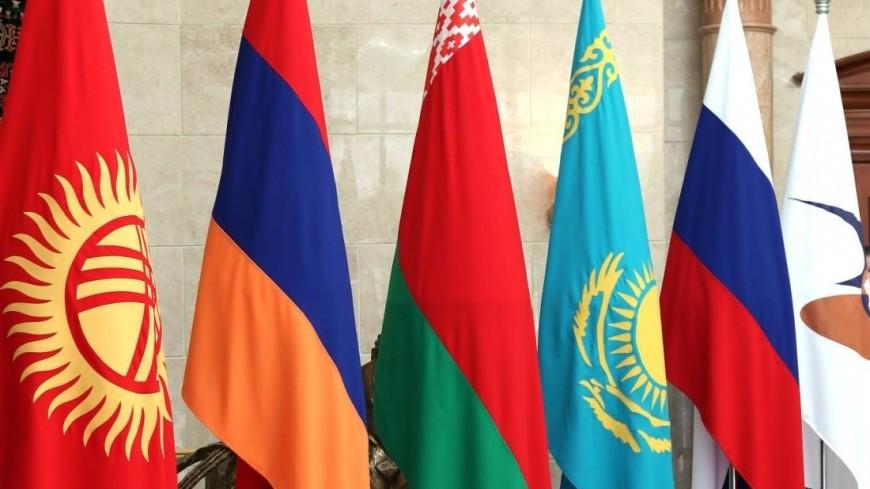 Путин, Лукашенко и Токаев провели краткую беседу перед саммитом ЕАЭС