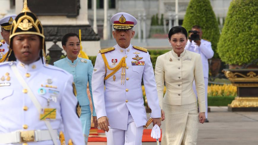Король Таиланда перед коронацией помиловал десятки тысяч заключенных