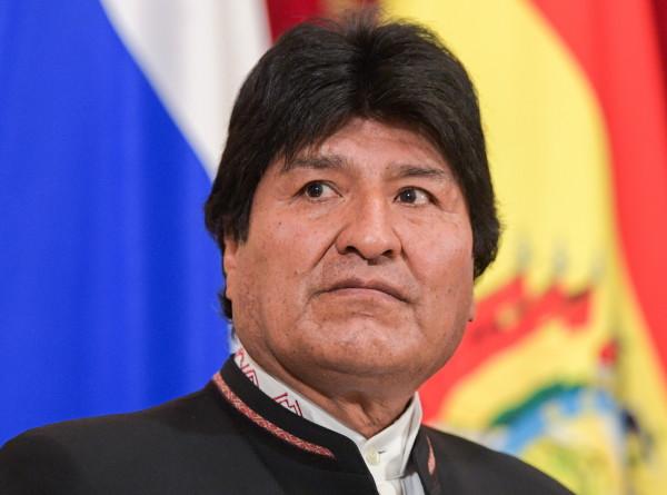 Самолет покинувшего пост президента Боливии Моралеса вылетел из Ла-Паса