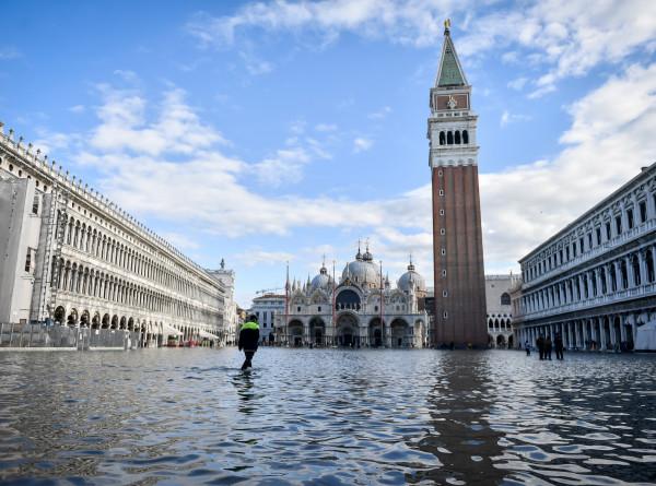 Наводнение в Венеции: на устранение последствий стихии выделено €20 млн