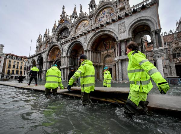 Венецианский апокалипсис: ущерб от наводнения оценили в миллиард евро