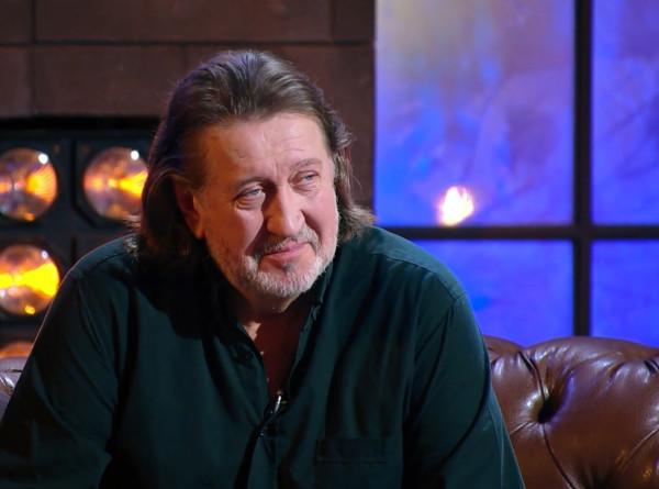 Олег Митяев – о первой киноэротике, Boney M. на льду и спасении собак