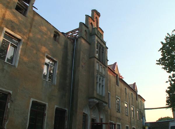 Феодалы нового времени: зачем семья из Белгорода поселилась в средневековом замке?