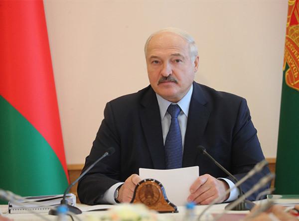 Лукашенко потребовал остановить отток кадров в Витебской области