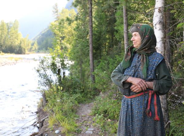 Телефоном пользовалась, только когда напал медведь: «МИР» показал жизнь затворницы Агафьи Лыковой