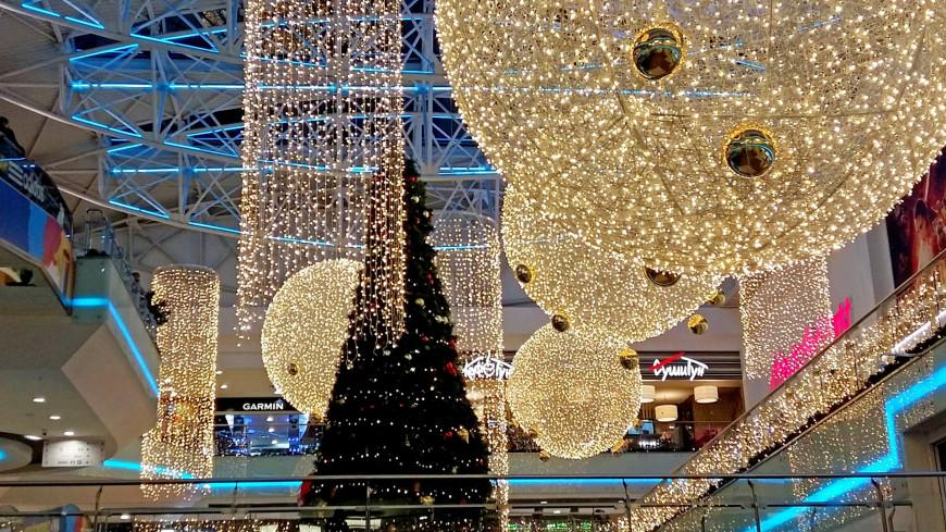 """Фото: Дарья Никишина (МТРК «Мир») """"«Мир 24»"""":http://mir24.tv/, гирлянда, новый год, елка, рождество"""