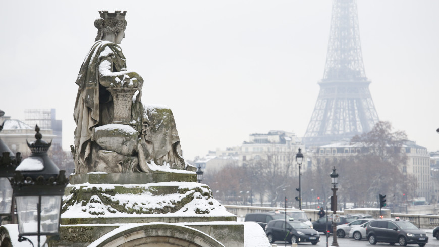 Мощный снегопад оставил без света 300 тысяч домов во Франции