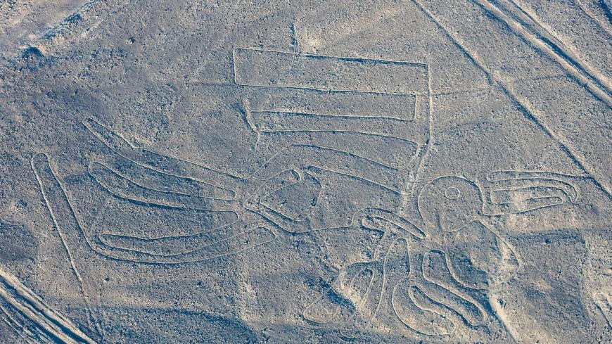 Новые загадочные геоглифы гигантского размера нашли в Перу