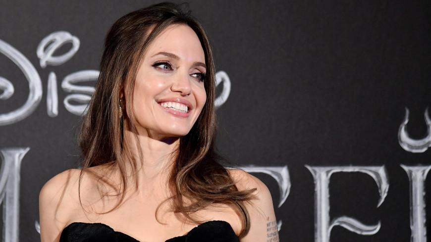Анджелину Джоли эвакуировали со съемок из-за найденной бомбы