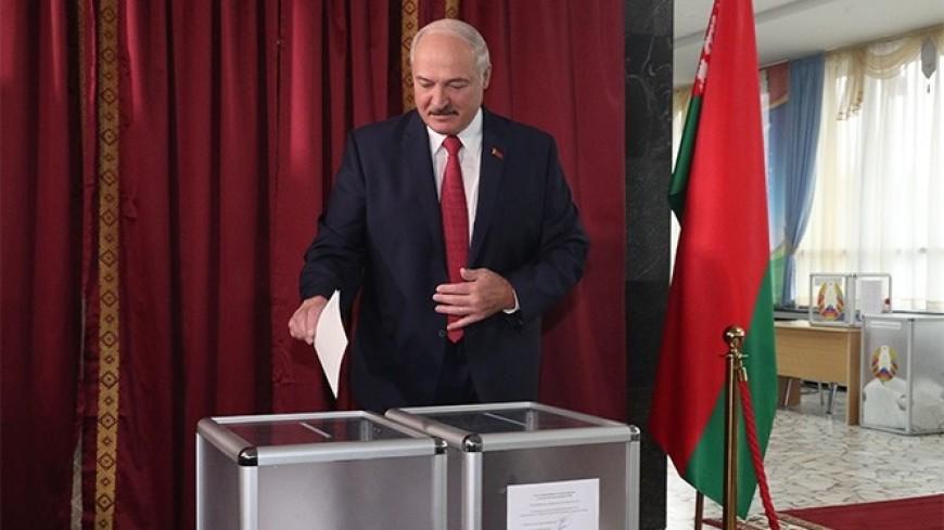 Лукашенко отдал свой голос на парламентских выборах