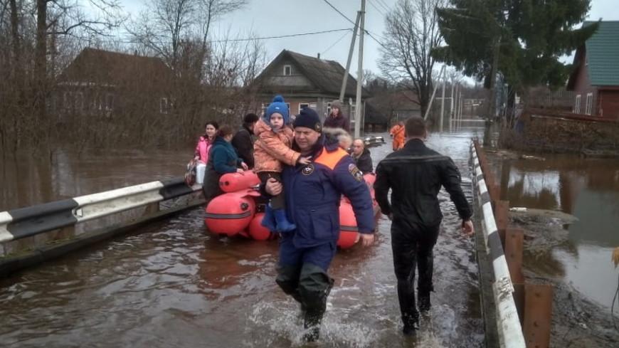 Жителей Новгородской и Вологодской областей эвакуируют из-за потопа