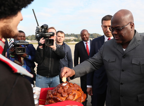 Вся Африка – в Сочи: гостей саммита встречают хлебом-солью