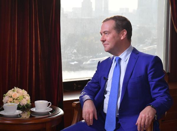 Медведев: Историю пытаются переписать, а это недопустимо