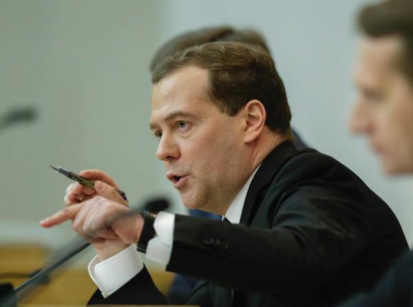 Медведев потребовал от губернаторов «прекратить вранье» в статистике по смертности