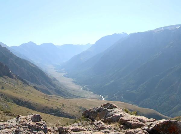 Самый высокий водопад и заброшенная железная дорога: пять причин побывать в казахском Текели