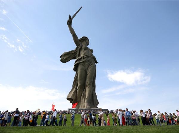 Символ Сталинградской битвы: скульптуре «Родина-мать зовет!» – 52
