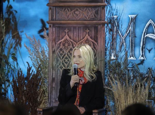 «В моем гардеробе все черное»: Мишель Пфайффер – о стиле, злых героинях и новой «Малефисенте»