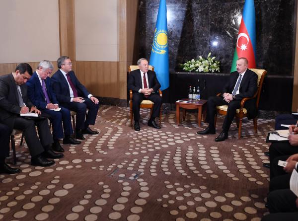 Назарбаев на встрече с Алиевым отметил хороший рост взаимной торговли через Каспий