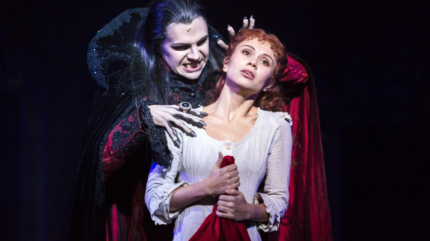 Знаменитый мюзикл Романа Полански «Бал вампиров» наконец-то в Москве.,бал вампиров, мюзикл, вампир, ужасы, монстр, укус вампира, нечисть,бал вампиров, мюзикл, вампир, ужасы, монстр, укус вампира, нечисть