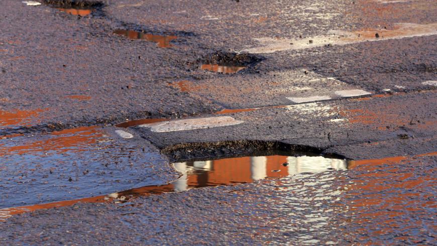 Названа причина плохого качества российских дорог