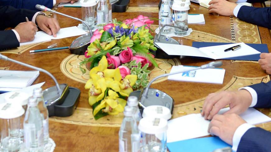 """Фото: """"Пресс служба президента Казахстана"""":http://www.akorda.kz/, собрание, совещание, встреча"""