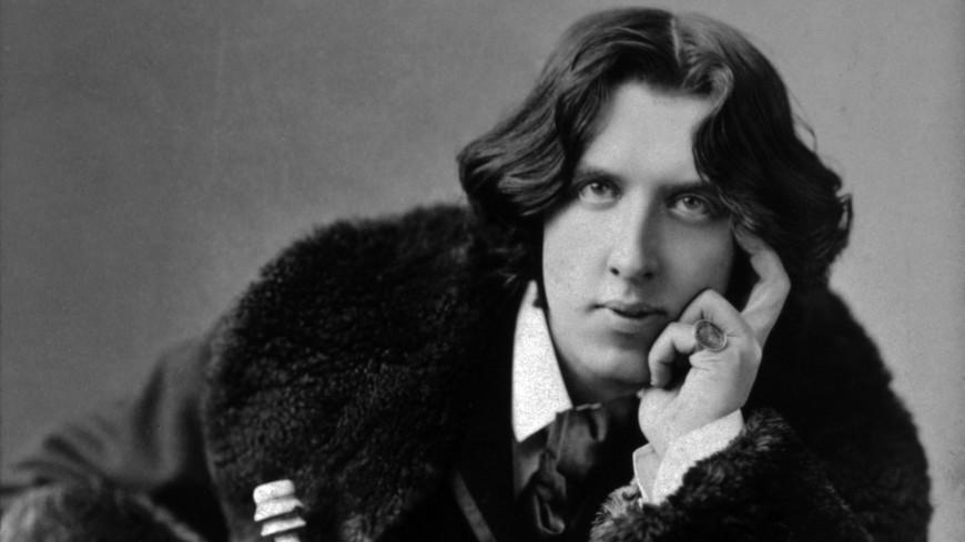 «Как важно быть серьезным»: 160 лет со дня рождения Оскара Уайльда