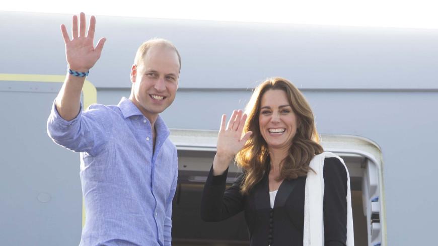 Самолет с принцем Уильямом и Кейт Миддлтон попал в мощную турбулентность