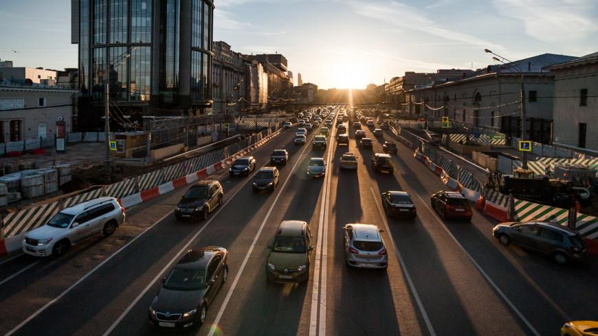 С 2020 года водителей новых машин в России обяжут устанавливать госномера в день покупки