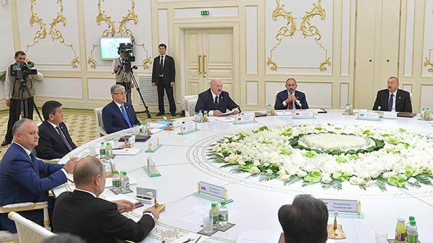 Лукашенко на саммите в Ашхабаде: Победа в Великой Отечественной войне едина и неделима