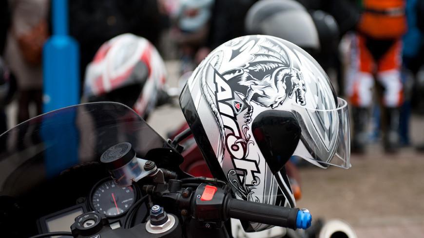 """""""© Фото: Анна Тимошенко, «МИР 24»"""":http://mir24.tv/, шлем, мото, мотоцикл, мотоциклисты, мотоциклы, байкеры, байкер, мотосезон, открытие мотосезона, мотоциклетный шлем"""