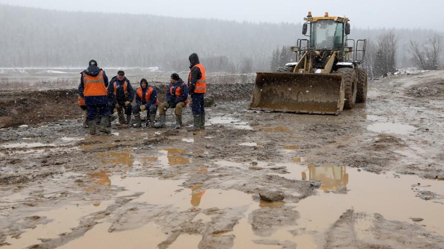 Семьям погибших при прорыве дамбы под Красноярском выплатят по миллиону рублей
