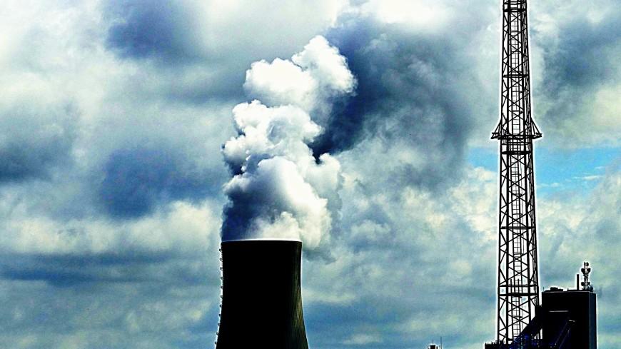 Градирни устаревшей угольной ТЭЦ взорвали в Великобритании