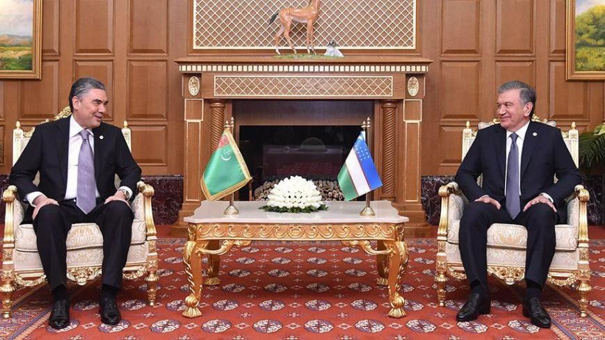 Мирзиеев поздравил Бердымухамедова с успешным председательством Туркменистана в СНГ