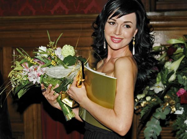 СМИ: Анастасия Заворотнюк перестала самостоятельно дышать
