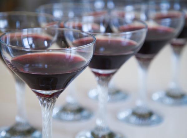 Миллениалы стали больше пить: эксперты назвали неожиданную причину