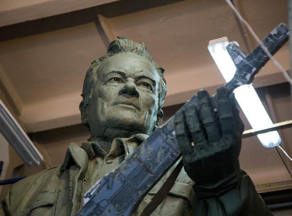 День оружейника: в чем секрет безотказности «Калашникова»