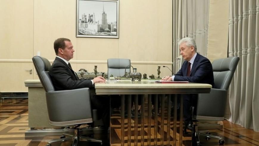 Собянин рассказал Медведеву, что в Москве реконструируют более 130 поликлиник
