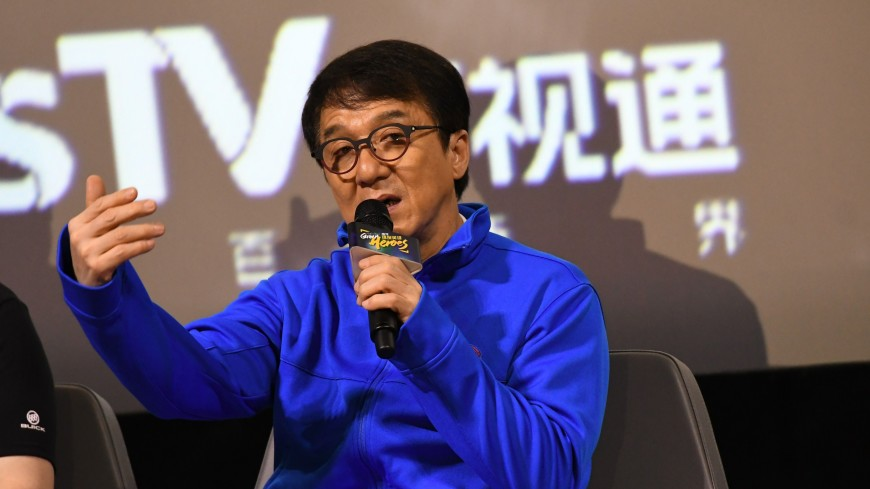 Джеки Чан по-русски извинился перед поклонниками за отмену визита в Москву