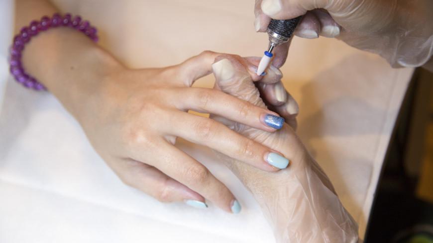 В салоне красоты,салон красоты, маникюр, уход, руки, ладонь, ногти, ,салон красоты, маникюр, уход, руки, ладонь, ногти,