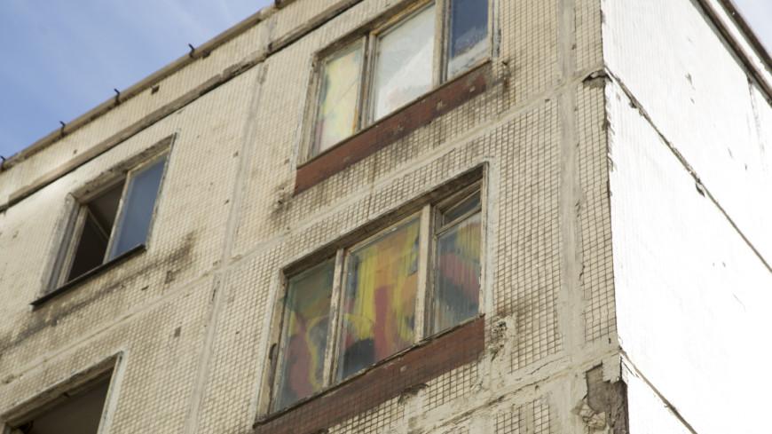 Пятиэтажку в Москве демонтировали по технологии «умного сноса»