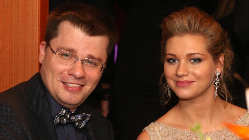 Кристина Асмус отреагировала на слухи о разводе с Харламовым