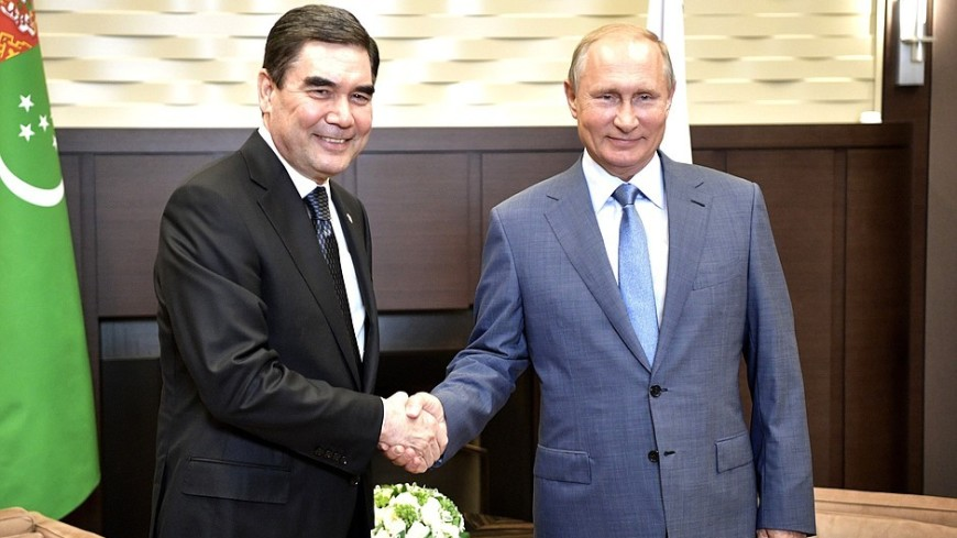 Путин поздравил Бердымухамедова с Днем независимости Туркменистана