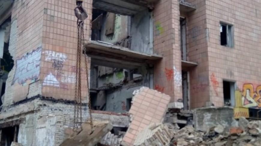 СК и прокуратура начали проверку после обрушения бывшего лагеря в Подмосковье