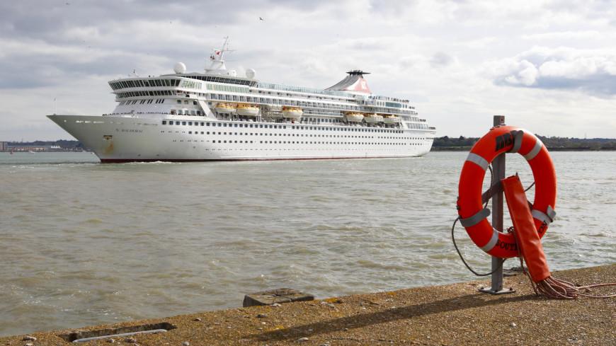Пассажиры круизного судна взбунтовались против экипажа
