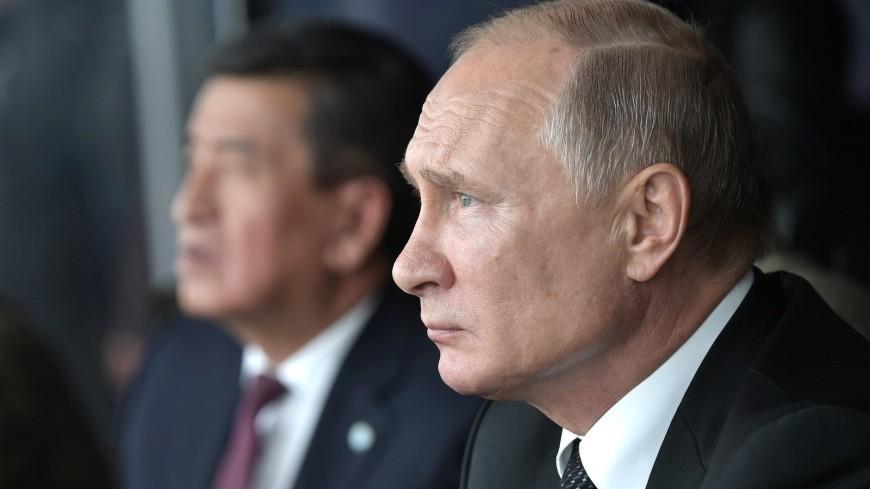 Путин и Жээнбеков попробовали испеченный в полевой пекарне хлеб