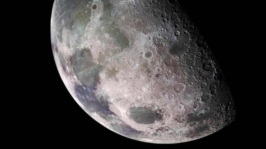 Китайский луноход обнаружил на спутнике Земли странное гелеобразное вещество